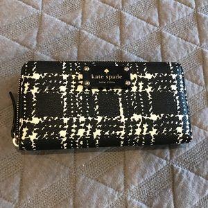 Plaid Kate Spade Zipper wallet